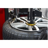 montagem de pneu de sedans Campos Elísios