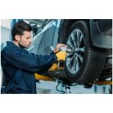 montagem de pneus em carros
