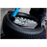 oficina para montagem de pneu de sedans Granja Viana